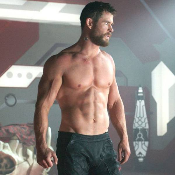Chris Hemsworth co bap anh 3
